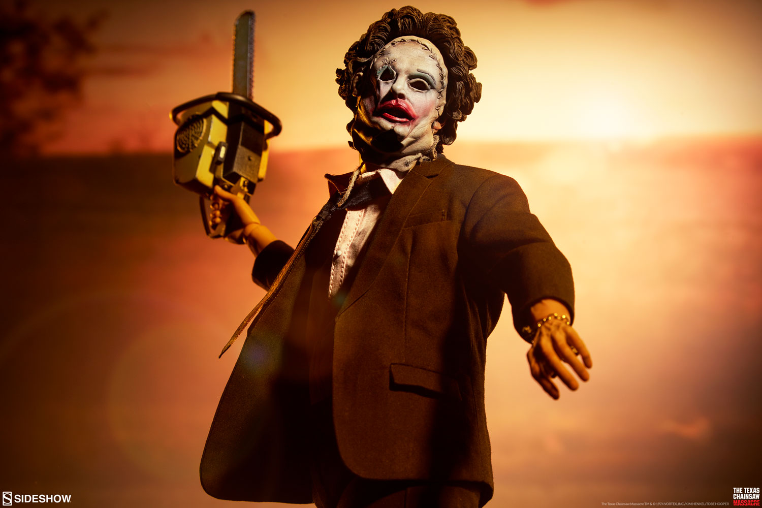 Sideshow Leatherface Figure 001