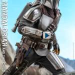 Hot Toys Mandalorian and The Child Quarter Scale Set 004