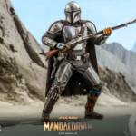 Hot Toys Mandalorian and The Child Quarter Scale Set 011