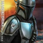 Hot Toys Mandalorian and The Child Quarter Scale Set 015
