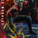 Hot Toys Spider Man Miles Morales 010