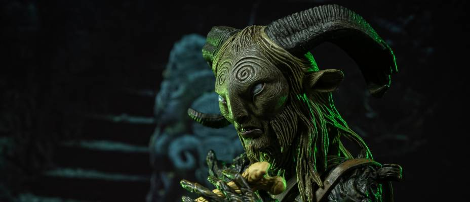 Guillermo del Toro Signature Collection Pan's Labyrinth - The Old Faun 7-Inch Scale Figure by NECA - Toyark Advanced Photo Shoot