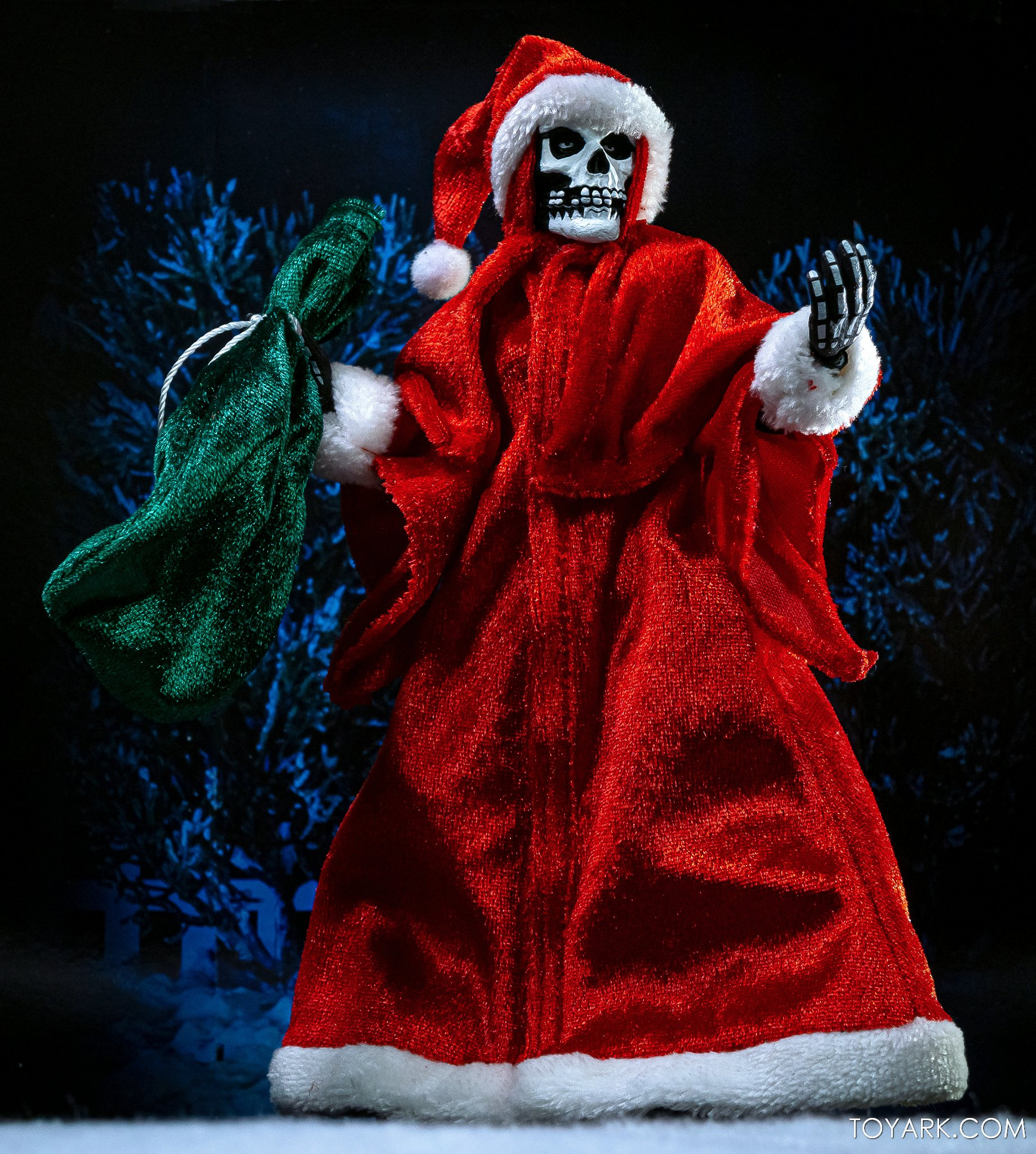 https://news.toyark.com/wp-content/uploads/sites/4/2020/12/NECA-Holiday-Fiend-Figure-013.jpg