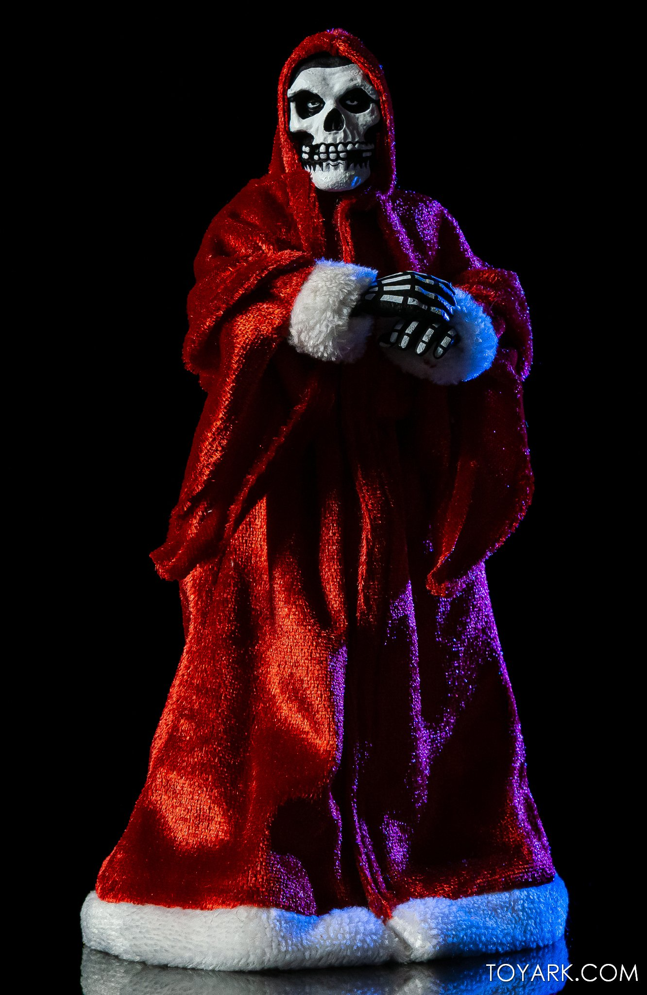 https://news.toyark.com/wp-content/uploads/sites/4/2020/12/NECA-Holiday-Fiend-Figure-024.jpg
