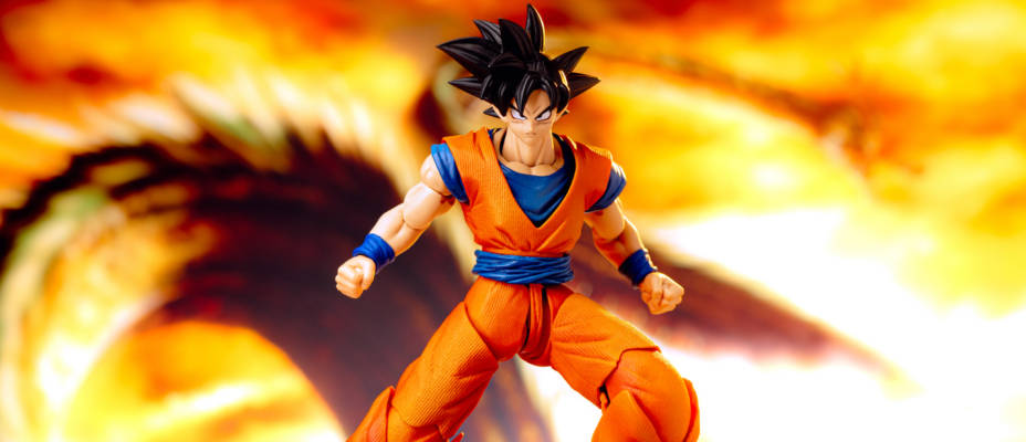 Imagination Works Goku - 1/9 Scale Dragonball Z - In Hand Gallery