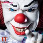 Mezco Toy Fair 2021 MDS 1990 Pennywise 001