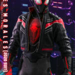 Miles Morales Spider Man 2020 Suit Hot Toys 013