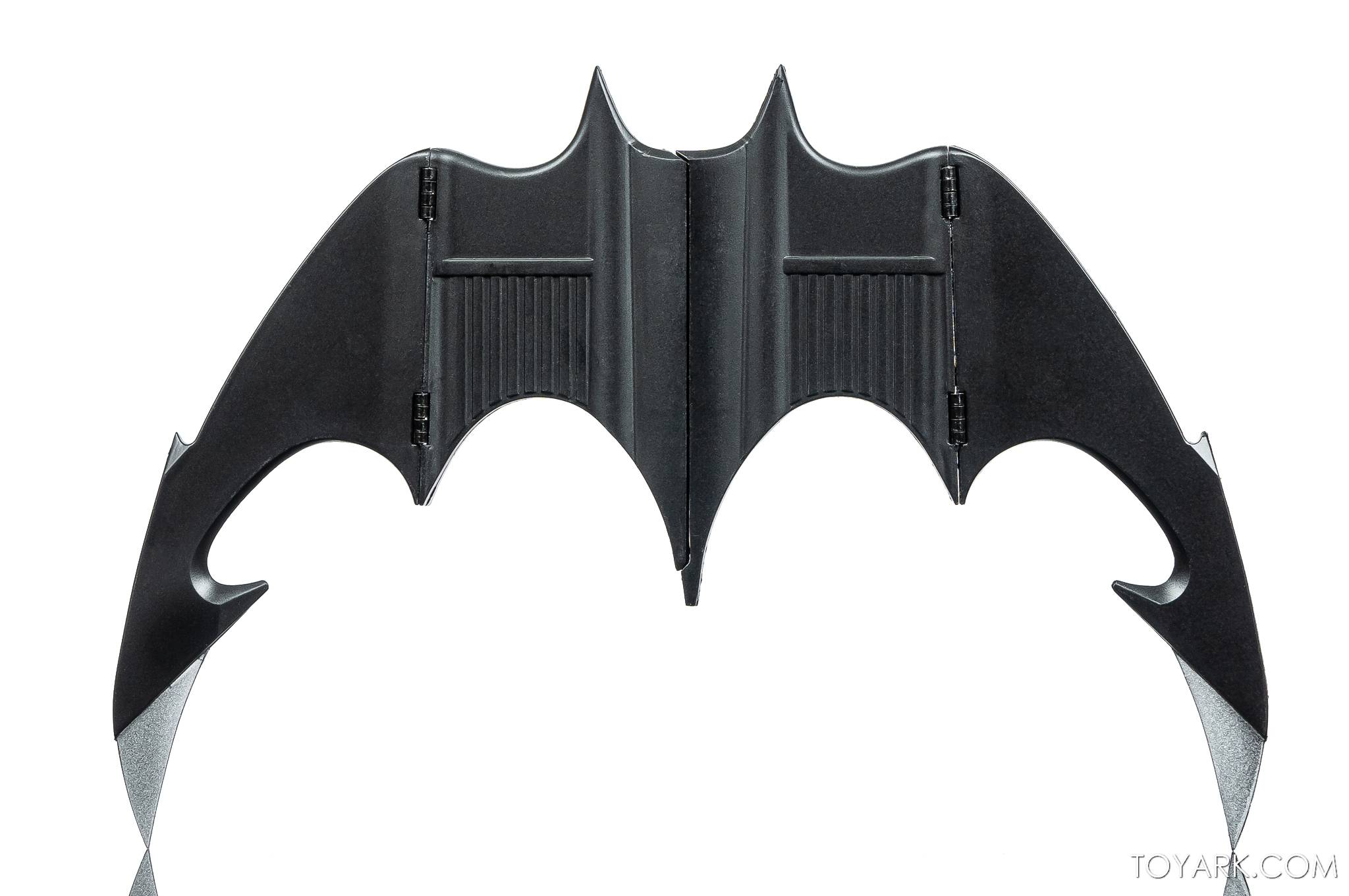 https://news.toyark.com/wp-content/uploads/sites/4/2021/02/NECA-Batarang-007.jpg