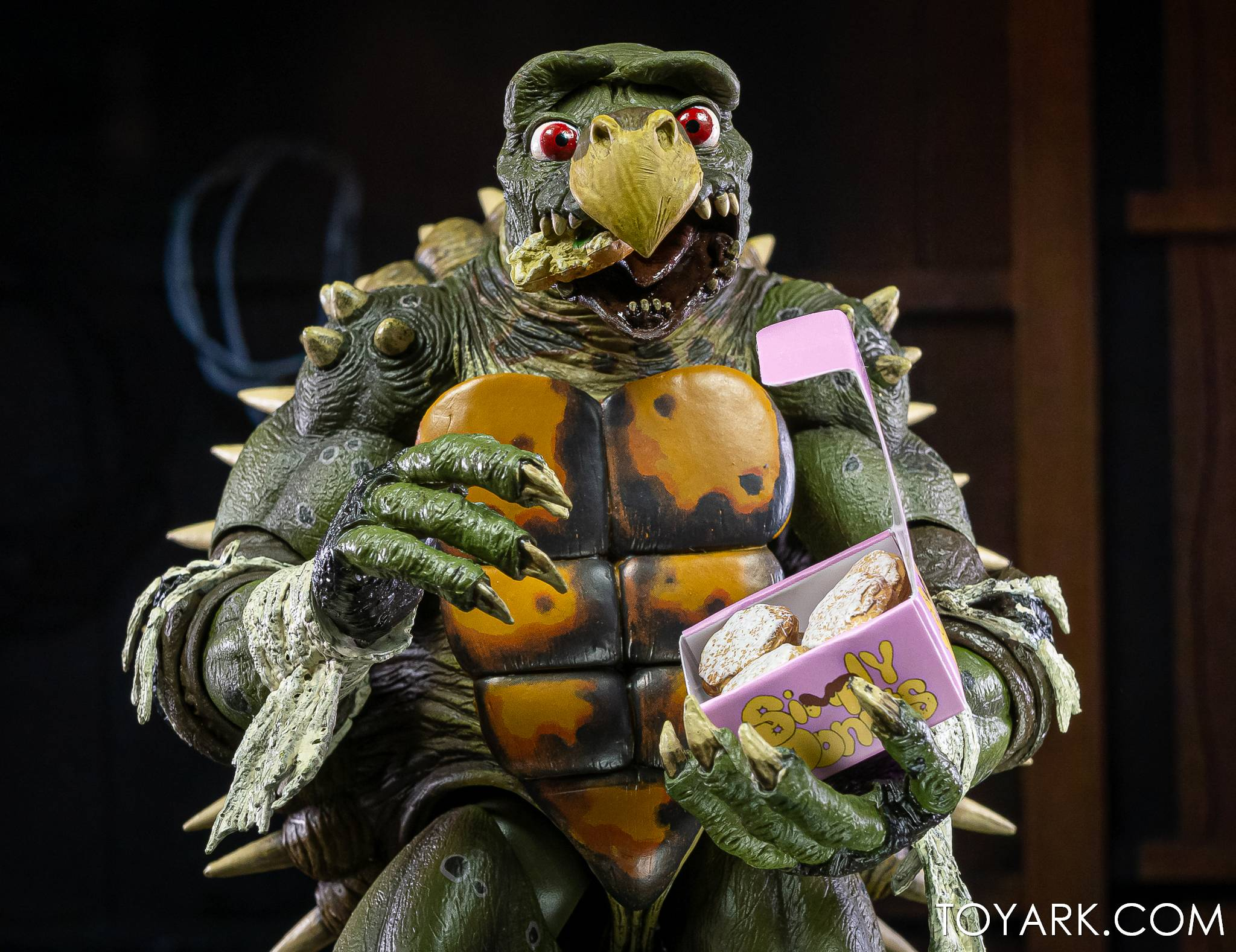 https://news.toyark.com/wp-content/uploads/sites/4/2021/03/NECA-Tokka-and-Rahzar-TMNT-II-025.jpg