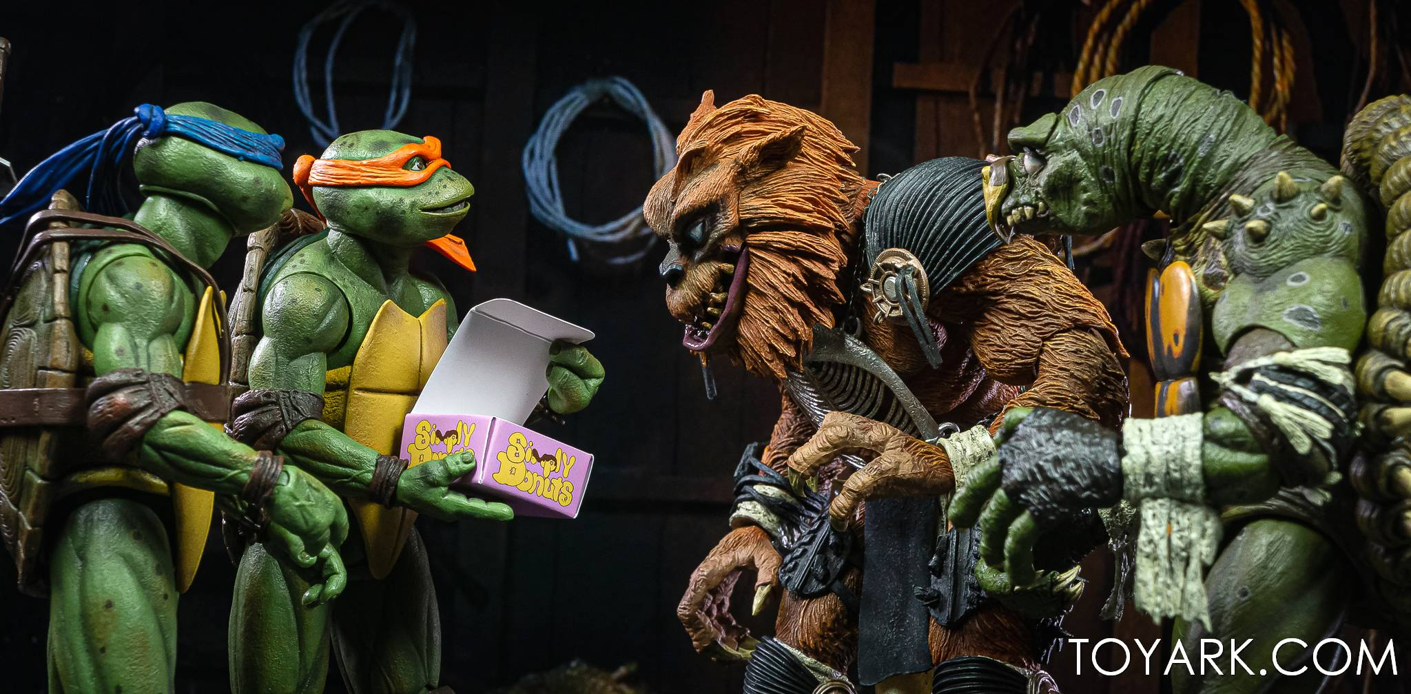 https://news.toyark.com/wp-content/uploads/sites/4/2021/03/NECA-Tokka-and-Rahzar-TMNT-II-035.jpg