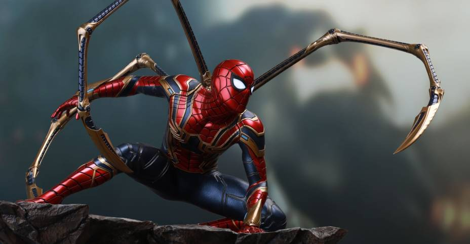 Queen Studios Iron Spider Statue 007