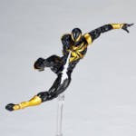 Iron Spider Black and Gold Revoltech 009