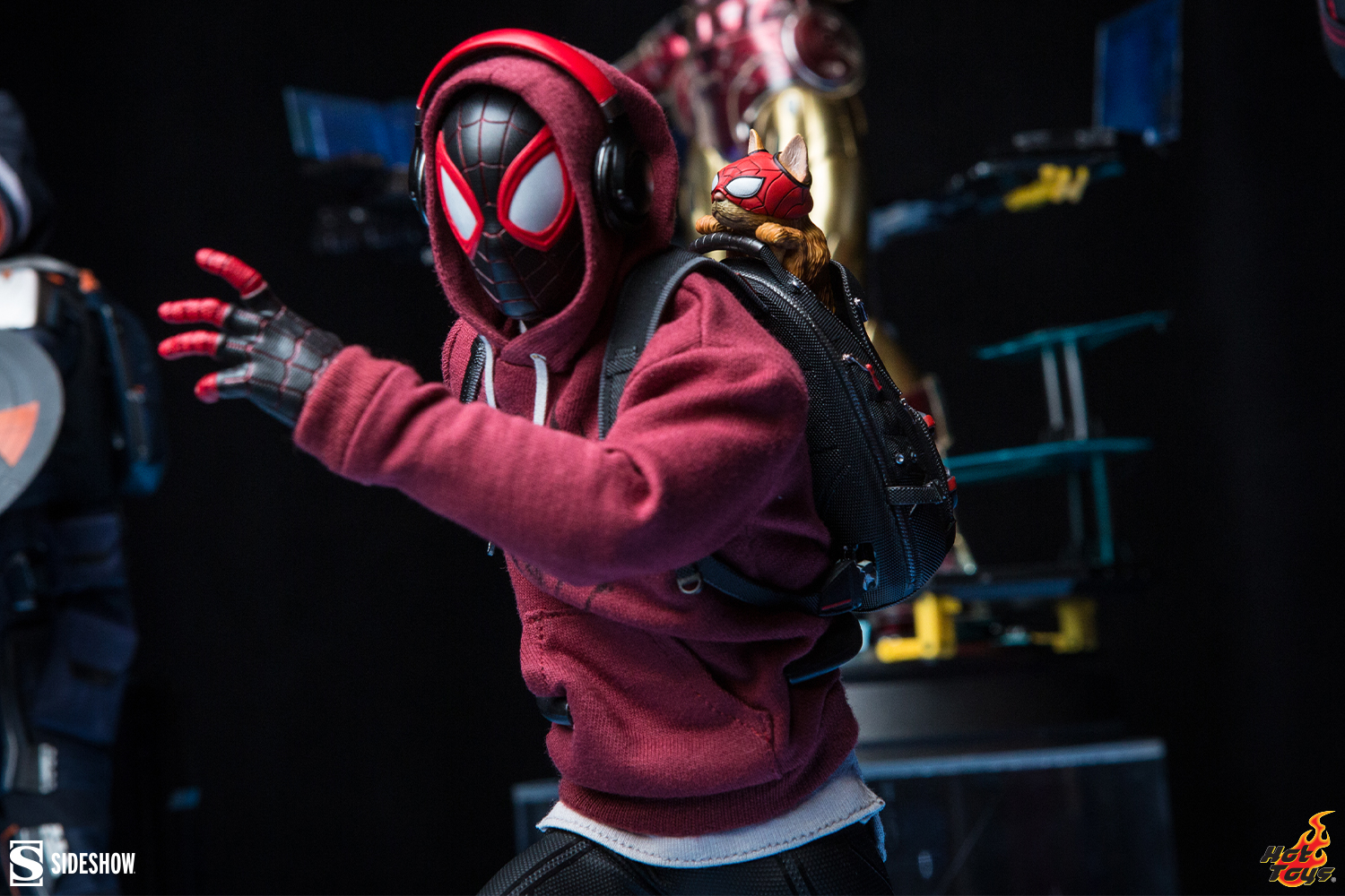 Marvel Hot Toys Miles Morales Sixth Scale Figure 4