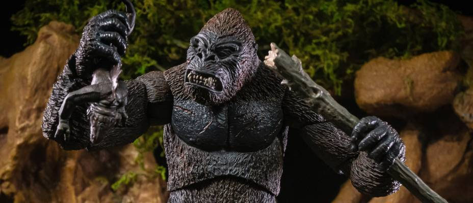 King Kong with Pteranodon and Pit Monster by NECA - Toyark Photo Shoot