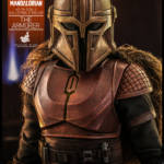 Hot Toys The Armorer 012