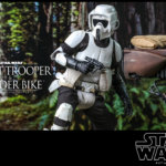 Hot Toys Scout Trooper and Speeder Bike 013