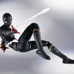 SH Figuarts No Way Home Spider Man Black and Gold Suit 004