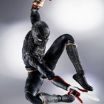 SH Figuarts No Way Home Spider Man Black and Gold Suit 005
