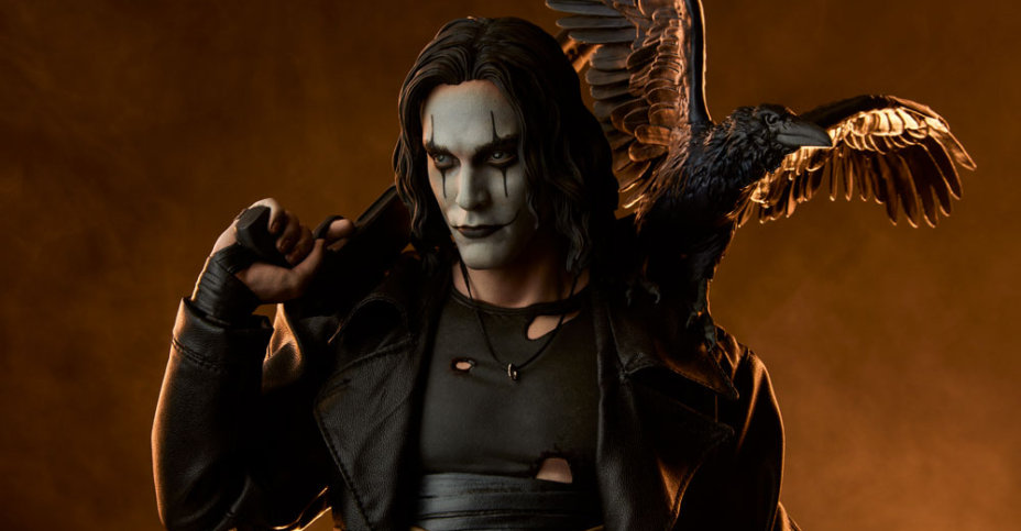 The Crow Statue Sideshow 002