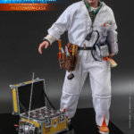 hot toys Doc Brown 6